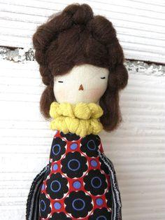 Muñeca decorativa para colgar en la pared. Aprox. 41 cm de AntonAntonThings en Etsy