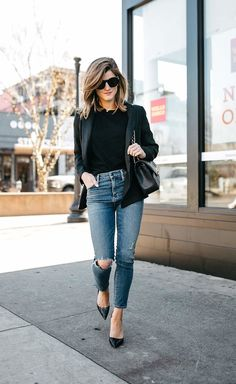 black blazer with jeans outfit