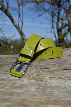 outdoor Event 12.04.2015 FEDEREATE (CRBL0051_GRN01) Alleine mag der Federate in grün im richtigen Licht, durch seine frische, elegante Art und mit echtem Leder zu überzeugen.