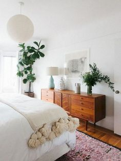 Comfy Minimalist Bedroom Ideas, Home Decor, Loosening Up as well as Chic Scandinavian Bedroom Styles - Stylish, basic and stunning; the unassuming appeal of Scandinavian design draws us all in i. Mid Century Modern Bedroom, Mid Century Modern Dresser, Mid Century Living Room, Modern Bedroom Design, Modern Bedrooms, Contemporary Bedroom, Bedroom Designs, Trendy Bedroom, Bedroom Neutral
