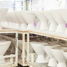 WC-istuimia tehtaalla. #bathroom #bathroomdesign #interiordesign #homespa #scandinaviandesign #bathroomideas #bathroomsink #interiordecoration #toilet #factory #sink #finnishdesign #bathroominspiration #ceramics #ceramicsoven #bathroomidea #tap #washbasin #fauset #behindthescenes #sanitary #porcelain #interiorideas #toiletseat