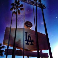 love the lighting, great photo. #Dodgers #BarrysTickets