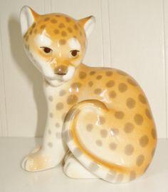 Very rare Beautiful Russian Porcelain - CAT JAGUAR COUGAR Figurine Great quality - LOMONOSOv marked