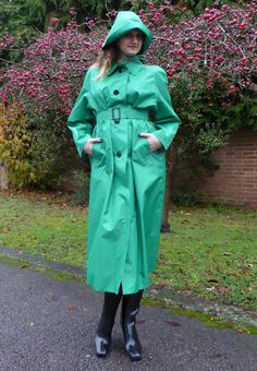 A Classic ladies lightweight mack straight from the heyday of pretty rainwear. Available in three colours: Red, Emerald Green, and Sage Green. Red Raincoat, Plastic Raincoat, Patent Trench Coats, Staff Uniforms, Rubber Raincoats, Rain Gear, Raincoats For Women, How To Wear, Women's Fashion