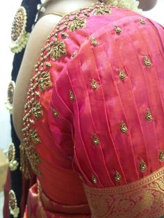 Choose the perfect saree blouse sleeve design according to the occasion as well as the saree. Here are Trendy Blouse Sleeve Designs for the unique Bridal Look. Blouse Designs High Neck, Wedding Saree Blouse Designs, Simple Blouse Designs, Stylish Blouse Design, Fancy Blouse Designs, Designs For Dresses, Designer Blouse Patterns, Maggam Works, Sarees