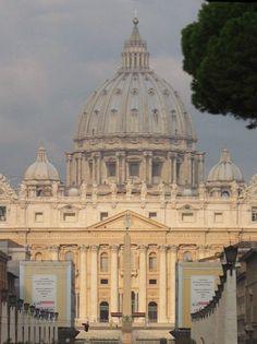 Het Vaticaan: Mysterieuze projecten en enigmatische aspecten.