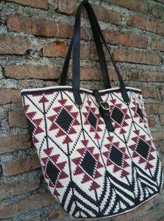 Made from waxed cotton cord Tapestry Bag, Tapestry Crochet, Knit Crochet, Crochet Handbags, Crochet Purses, Beading Patterns, Crochet Patterns, Hello Kitty Crochet, Mochila Crochet