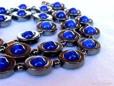 Különleges gyöngysor hematittal és kék macskaszem kövekkel