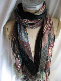 イメージ 3 -Colleen's notes..Scarf from silk ties. Is that black velvet on the back?