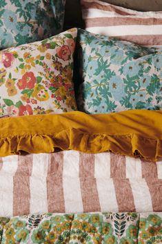 Bedding Ideas For Teen Girls Granny Chic, Home Bedroom, Bedroom Decor, Bedrooms, Chambre Indie, Linen Duvet, My New Room, Home Interior, Girl Room