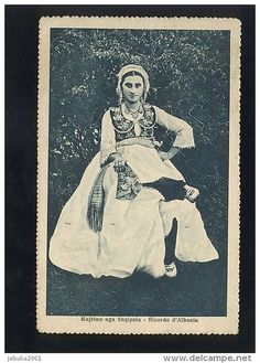 Shkodër, Shkodra, Scutari, Skadar, Cкадар. Kostum femëror. Woman's costume. Costume féminin. Vestido femenino.