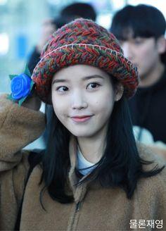 IU 191204 Incheon Airport to Singapore K Pop, Iu Twitter, Korean Age, South Korea Seoul, Aesthetic Filter, Beauty Shoot, Sky And Clouds, Minimal Chic, Art Store