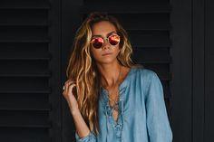 TENDÊNCIA: 11 ideias para usar os óculos de sol redondos! - QUE LOOK USAR
