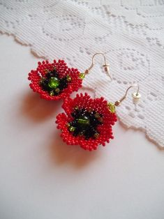 The flower poppy jewelry consist of red poppy necklace and red poppy earrings. COLOR: red and green. The processing time: 3 working days. The Ukrainian jewelry excellent Bead Earrings, Flower Earrings, Crochet Earrings, Poppy Brooches, Tea Design, Bead Crochet Rope, Beading Projects, Red Poppies, Beaded Flowers