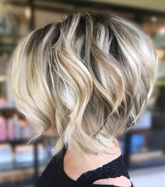 Classic Short Bob Haircut and Color, Best Short Hair Styles for Women - Frisuren Short Wavy Hairstyles For Women, Bob Haircuts For Women, Short Bob Haircuts, Hairstyles Haircuts, Latest Hairstyles, Haircut Short, Formal Hairstyles, Blonde Short Hair Cuts, Color For Short Hair