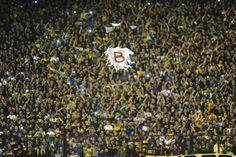 SUPERCLÁSICO, Bochornoso final: suspendido por agresión a los jugadores de River. Cuando iba a comenzar el segundo tiempo y el partido ante Boca estaba igualado 0-0, arrojaron gas pimienta en el túnel a los jugadores visitantes. Luego de 70 minutos,...