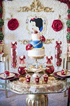 Great 50+ Romance Snow White Wedding Theme Ideas https://weddmagz.com/50-romance-snow-white-wedding-theme-ideas/