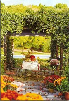 decoration terrasse exterieure belle ambiance en automne