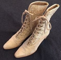 Victorian Stuart Weitzman Tan Leather & Lace Stack Heel Lace Up Boots Size 6 B #StuartWeitzman #MidCalfBoots