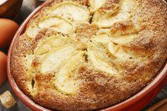 A grízes almás süti az egyik legolcsóbb édesség, amihez biztos, hogy mindent megtalálsz otthon. Hungarian Recipes, Camembert Cheese, Addiction, Bread, Foods, Cakes, Baking, Food Food, Food Items