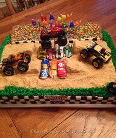 Cool Homemade Monster Jam Birthday Cake I made this Monster Jam birthday cake for a wonderful 4 year old boy. This cake was made to a size of 11 x 14 so I would have plenty of room for the. Soirée Monster Truck, Monster Jam Cake, Monster Truck Birthday Cake, Anniversaire Hotwheels, Cool Birthday Cakes, Birthday Ideas, 3rd Birthday, Blaze Birthday Cake, Lincoln Birthday