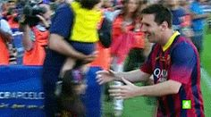 La familia más perfecta en la Tierra (x) Leo, Antonela y Thiago en el Camp Nou. 03 de mayo 2014.
