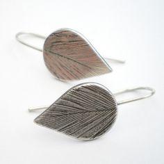 Silberohrringe, Federn // silver feather earrings by Ali Bali Jewellery via DaWanda.com