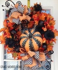 Halloween Wreath - Door Decorations - Cute Ideas for Halloween