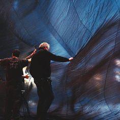 #Larvotto Les décors majestueux de TOSCA se mettent en place et les répétitions scéniques ont commencé sur la scène du Grimaldi Forum ! #operademontecarlo #opera #enversdudécor #monaco #montecarlo #principautedemonaco #igers #igersfrance #monmonaco #igersnice #backstage #coulisses #tosca #puccini #grimaldiforum #forumgrimaldi #brynterfel #marceloalvarez #martinaserafin by opera_de_monte_carlo from #Montecarlo #Monaco