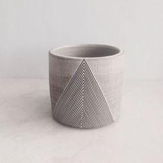"7 oz ebony ""whitewash v"" tumbler Ceramic Tableware, Ceramic Decor, Ceramic Cups, Ceramic Pottery, Pottery Art, Ceramic Art, Earthenware, Stoneware, Keramik Design"