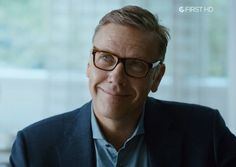 Mikael Persbrandt as Gunvald Larsson in Beck, Sjukhusmorden (2015). GLASSES ON.