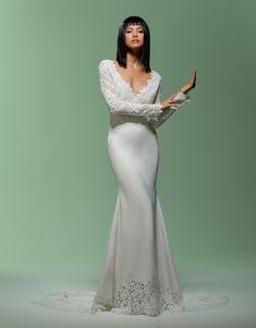 Wedding Dress out of Lazaro silhouette mermaid, neckline v-neck, floor, long sleeve Lazaro Dresses, Lazaro Wedding Dress, Lazaro Bridal, Bridal Dresses, Wedding Gowns, Bridesmaid Dresses, Trumpet Gown, Trumpet Skirt, Wedding Dress Pictures