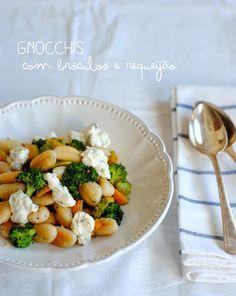 Gnocchi com bróculos e requeijão