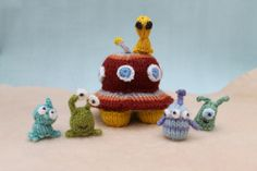 aliens UFO tiny knits