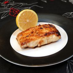 Enjoy a healthy and delicious meal ready in just minutes! Easy and delicious grilled halibut with honey and lemon will have you falling in love with fish! Fish Dishes, Seafood Dishes, Fish And Seafood, Seafood Recipes, Main Dishes, Seafood Meals, Honey Recipes, Great Recipes, Favorite Recipes