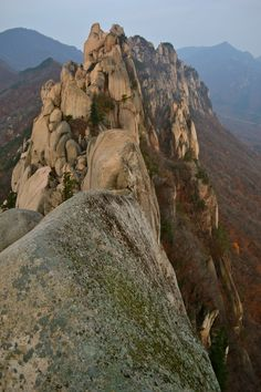 Hiking Ulsanbawi at Seoraksan National Park, South Korea Places Around The World, Around The Worlds, Seoraksan National Park, Asia, South Korea Travel, Travel Info, Landscape Photos, Natural Wonders, World Heritage Sites