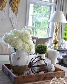 Coffee Table Top Decor... @stonegable #interior #decorlovers  #interiordesign #