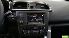 Profitez en toute saison du confort de la climatisation régulée bi-zone. Naviguez tout en confort avec des cartographies préinstallées et des mises à jour offertes durant la première année. À l'aide de l'Info Trafic, vous pouvez également visualiser la circulation en temps réel. Dès que vous enclenchez la marche arrière, la caméra de recul se déclenche et l'écran tactile de 7 pouces affiche vos manoeuvres .