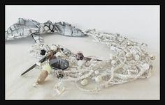 collar modelo Sultan Charmed, Bracelets, Jewelry, Fashion, Accessories, Moda, Jewlery, Jewerly, Fashion Styles