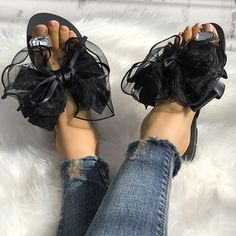 Product Name Fashion Clip Toe Flat shoes with Bow-knot Brand AQILABUY SKU flat96084BF33FC1 Gender Women Style Casual Type Flat Shoes Occasion Daily Life Material PU,Rubber Decoration Rhinestone,Bow-knot Heel Type Low Heel
