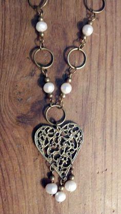 Collar de perlas con corazón