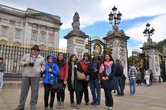Buckingham Sarayı önünde biz