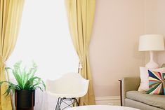 Wild Aster Benjamin Moore pink by Nicole Balch of Making It Lovely Pink Paint Colors, Paint Colors For Home, Peach Walls, Pink Walls, Yellow Curtains, Colorful Curtains, Laundry Room Inspiration, Inspiration Wall, Benjamin Moore Pink
