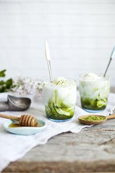 Matcha Kefir Lime Ice Cream, via Emilie Murmure / Food styling / Food photography inspiration Lime Ice Cream, Delicious Desserts, Dessert Recipes, Matcha Dessert, Green Tea Recipes, How To Cook Quinoa, Frozen Desserts, Kombucha, Food Photography