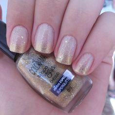 Cheguei - Colorama & França - Risqué. Glitter nails. Happy new year Nail art. Nail Design. Polish. Manicure. Instagram by @Morgana Piazenski