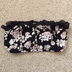 Kendall & Kylie Bandeau Excellent condition. ❗️No trades/OBO❗️ Kendall & Kylie Intimates & Sleepwear Bandeaus