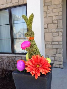 Outdoor Easter decorations ideas are so much fun when you spend time with family, friends and kids; creating unusual handmade home decorations for outdoor Easter Tree Decorations, Easter Wreaths, Halloween Decorations, Outdoor Decorations, Diy Osterschmuck, Christian Holidays, Easter Crafts For Kids, Easter Ideas, Handmade Home