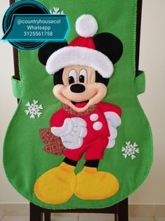 Xmas Crafts, Grinch, Christmas Stockings, Holiday Decor, Crochet, Fabric, Diy, Slipcovers For Chairs, Holiday Decorating