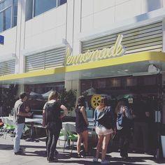 . Lemonade in Santa Monica!?!? Whaaaaaat!!!!! #naomialesha #サンタモニカ #カリフォルニア #カリフォルニアスタイル #カリフォルニアライフ #カリフォルニア留学 #カリフォルニア旅行 #LA留学 #LA観光 #LA旅行 #ロサンゼルス旅行 #ロサンゼルス留学 #ロサンゼルス観光 #california