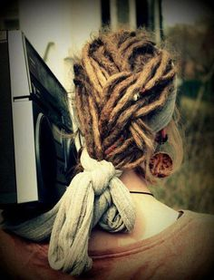 Find images and videos about girl, hippie and dreads on We Heart It - the app to get lost in what you love. Dread Wraps, Natural Dreads, Beautiful Dreadlocks, Low Maintenance Hair, Dreads Styles, Dread Hairstyles, Hair Again, Hair Locks, Dream Hair